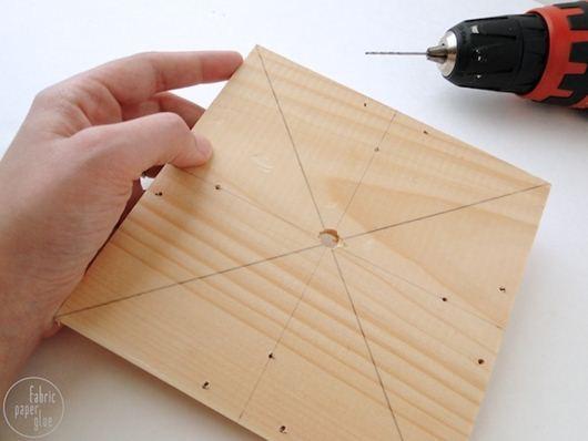 qua-tang-doi-tac-7 Chế đồng hồ lạ mắt bằng gỗ
