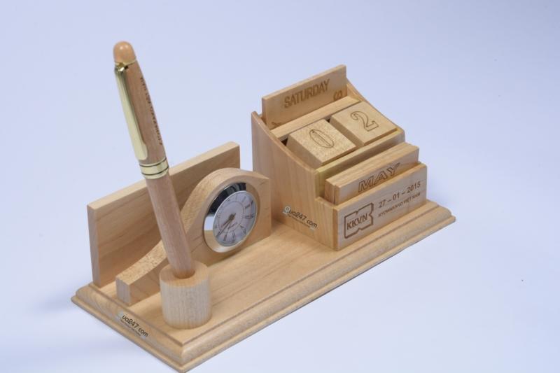 Lich-go-de-ban-12-3 Lịch gỗ để bàn 12