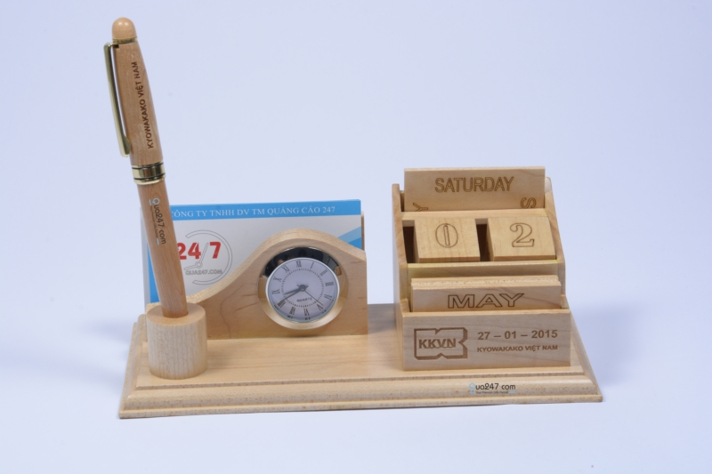Lich-go-de-ban-12-4 Lịch gỗ để bàn 12