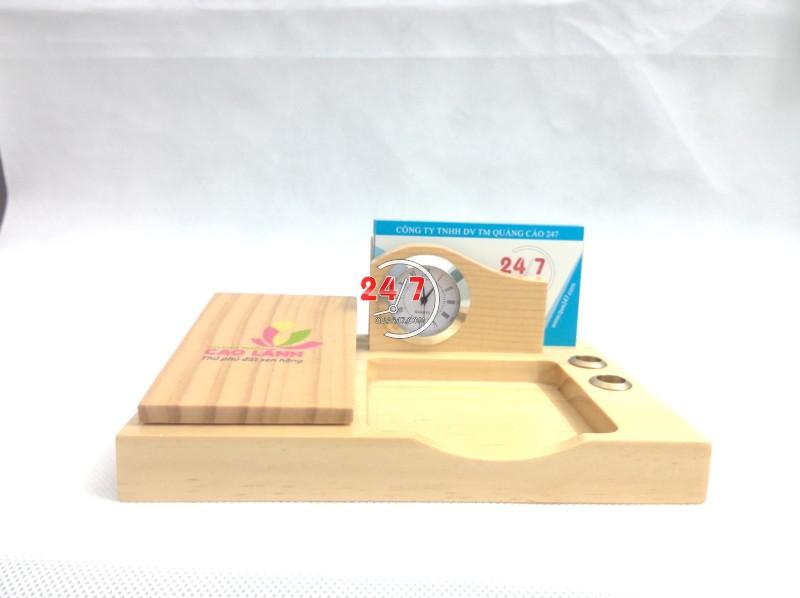 Qua-go-de-ban-15-1 Quà gỗ để bàn 15