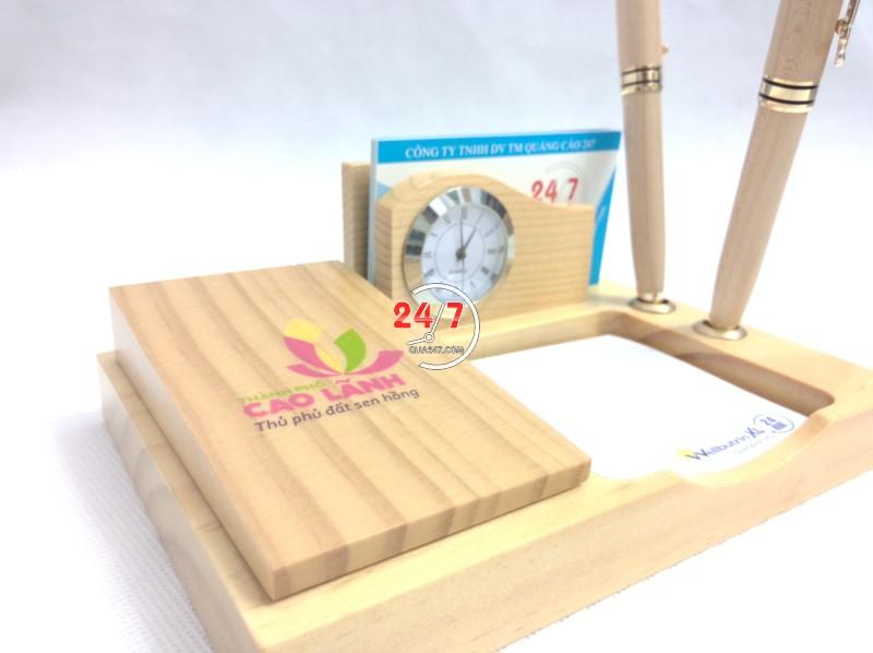 Qua-go-de-ban-15-8 Quà gỗ để bàn 15