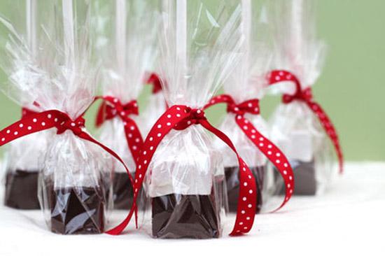 lam-qua-tang-giang-sinh-3 Làm quà tặng Giáng sinh bằng socola que