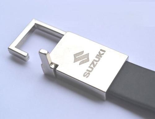 khac-moc-khoa khắc gia công lên móc khóa kim loại
