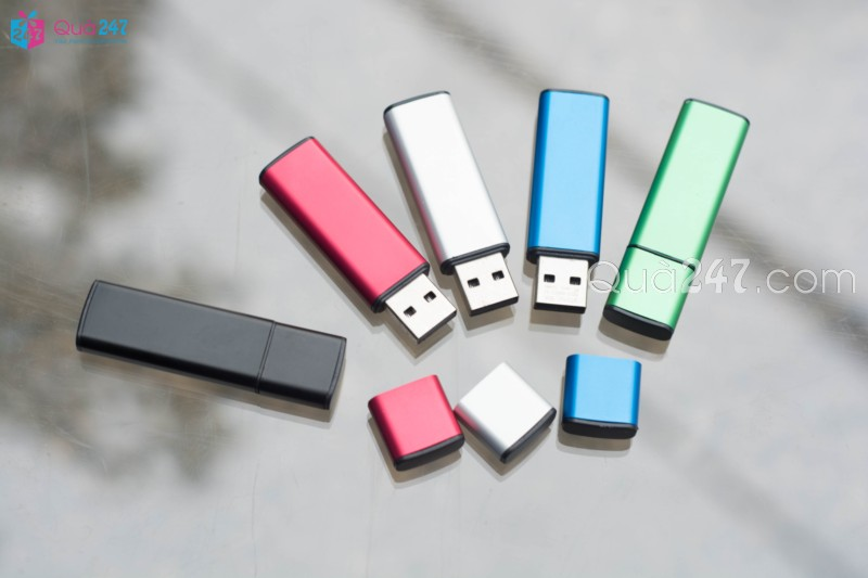 USB-08-18 USB 08 - usb quảng cáo với cấu tạo vỏ nhôm cao cấp