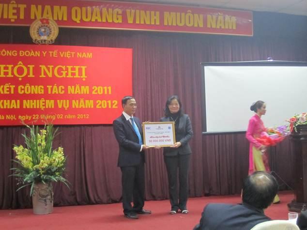 ngay-thay-thuo-3- Quà tặng hấp dẫn nhân ngày Thầy thuốc Việt Nam