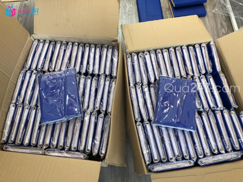 z1235317185577_e0d02b815a458cd42d07f25d42a14225 Xưởng sản xuất sổ tay quảng cáo in ấn logo