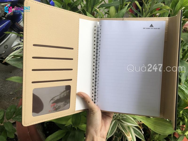 z1338604636260_13bcdd2cc3ae620cba99d8add0b544ef Xưởng sản xuất sổ tay quảng cáo in ấn logo